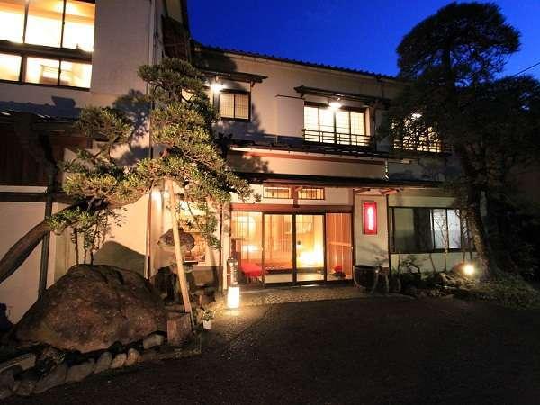 写真:箱根湯本温泉 庭園露天を味わう宿 湯さか荘