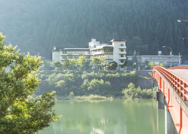 写真:白峰温泉 ホテル八鵬