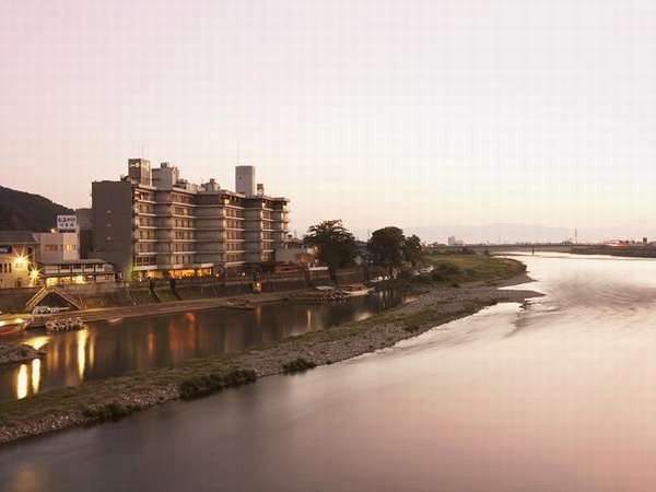 写真:長良川温泉 十八楼
