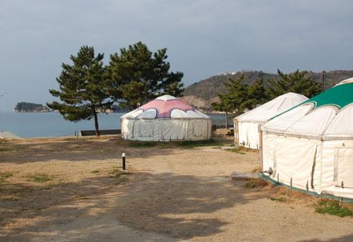 写真:直島ふるさと海の家 つつじ荘 <直島>