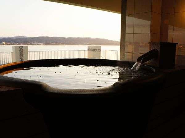 松江しんじ湖温泉 夕景湖畔 すいてんかく 写真