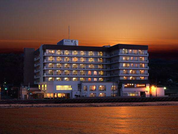 伝統と風格の宿 ホテル万長 <佐渡島>