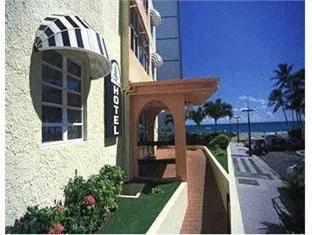 サンディ ビーチ ホテル