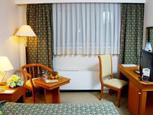 ウィンダム タシケント ホテル 写真