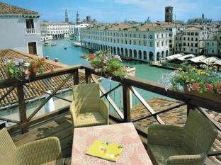 写真:ホテル フォスカリ パレス
