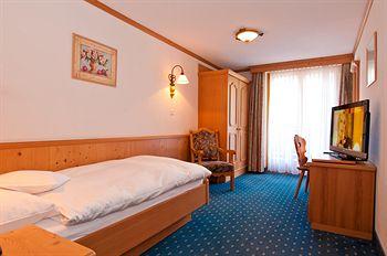 ホテル ラ クロンヌ