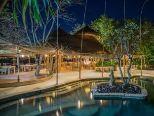 ハイ タイド ビーチ リゾート