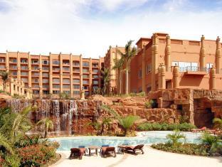 カンパラ セレナ ホテル