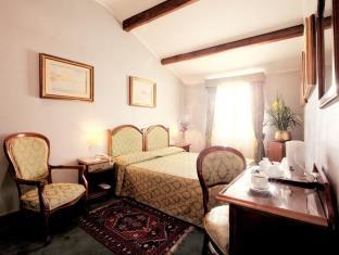 写真:ホテル パウサニア