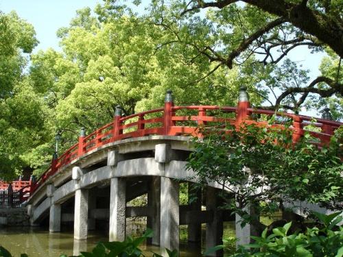 近いので、時々太宰府天満宮とその周辺に出かけています。<br />写真は太宰府天満宮の太鼓橋。