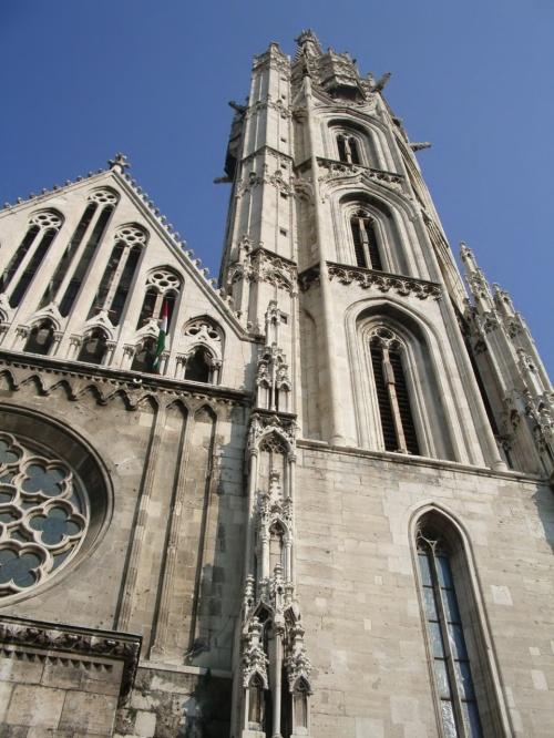 教会はハンガリー国王ベーラ4 ...