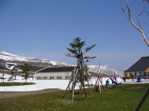 まだまだ滑れるスノボーツアー~軽井沢アウトレットへ