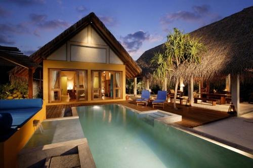 世界的に評価が高いフォーシーズンズがモルディブに2006年11月にオープンさせた2つめのリゾート、「ランダギラーヴァル」<br />ソネヴァフシやココパーム・ドゥニコルなどの高級なリゾートの多いバア環礁で、どんなリゾートライフが待っているのか、2泊3日で体験してきました!