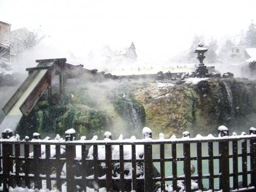 1年の疲れを癒すには温泉が一番です。今回は湯量日本一の草津温泉へ行ってきました。