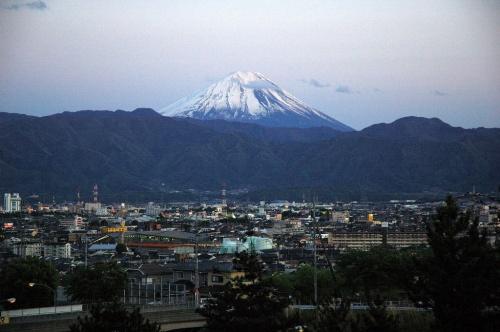中央高速双葉SAから見た富士山。高速道路特別割引(5)