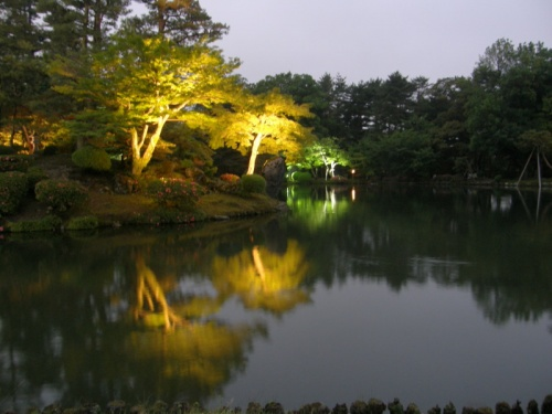 東尋坊、三国、金沢、山中温泉の旅行記の、金沢編です。<br /><br />