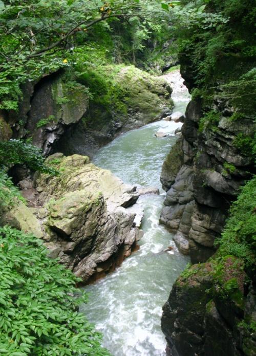 吾妻渓谷A 川原湯温泉駅から鹿飛橋へ ☆水と緑に囲まれて