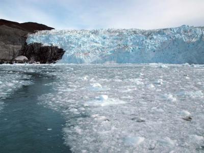 去年アイスランドから行ったクルスクも初めてのグリ... して来ました。最高なのは、人が少ないとい