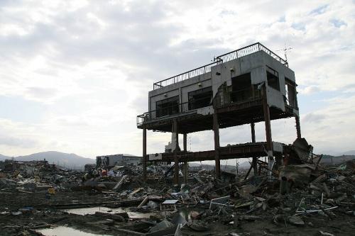 大震災後57日目の気仙沼を見て考えたこと
