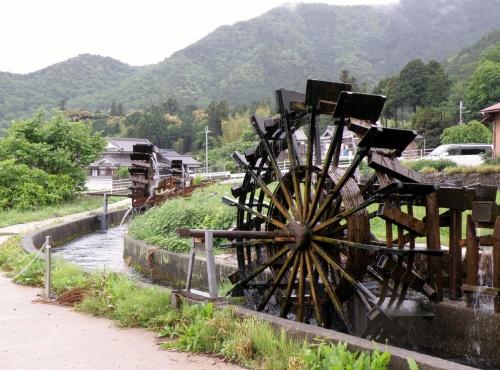 のどかな風景が広がる新野水車の郷