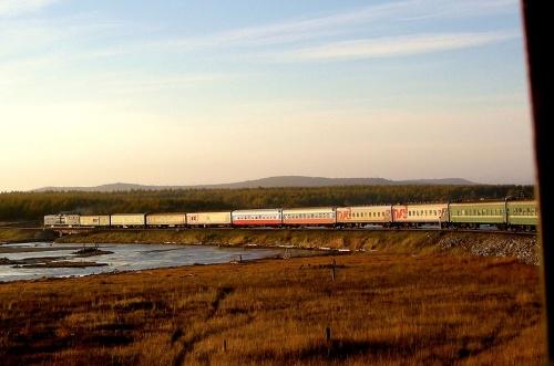 2010年10月からアジア大陸横断の旅に一人で出かけてきました。ロシアのサハリンからトルコのイスタンブールまで、2月半をかけて陸路移動の旅でした(一部飛行機での移動あり)。<br /><br />以前から一度は乗ってみたかったBAM鉄道全線乗り継ぎ、残念ながらサビアツカバガーバーニとワニノ間は乗らなかったので全線とはなりませんでしたが、ワニノとタイシェット間は乗ることが出来ました。<br /><br />この路線は先の大戦後多くの日本将兵が捕虜として建設に当たり、多数の犠牲者を出した所です。<br /><br />日本人にとってあまり知られていないこの鉄道、今後この鉄道に乗ってみたいと興味の有る方に参考になるようになるべく参考データーを公表しながら写真をアップしています。<br /><br />