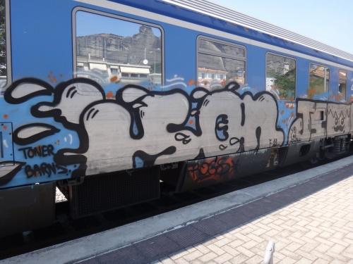 ギリシャの電車も楽しいです。写真はアテネからカランバカに行くときに乗った国鉄。