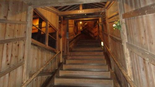 2011年 9月 みちのく秘湯の旅 (4)  ~  作並温泉、清流沿いの 「 夜 」 の露天岩風呂