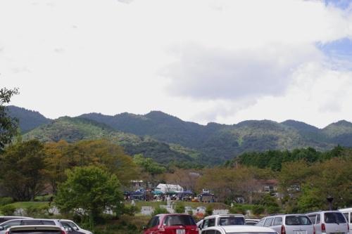 山の中のクラフト展へ