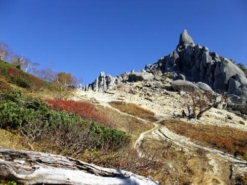 もっと遥かな山旅を:鳳凰三山(小屋1泊)