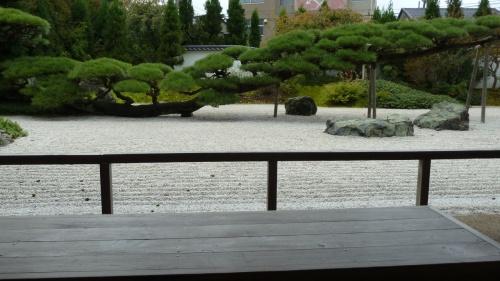 奥の細道を訪ねて第12回⑫鼠ヶ関と念珠松庭園の松 in 温海町
