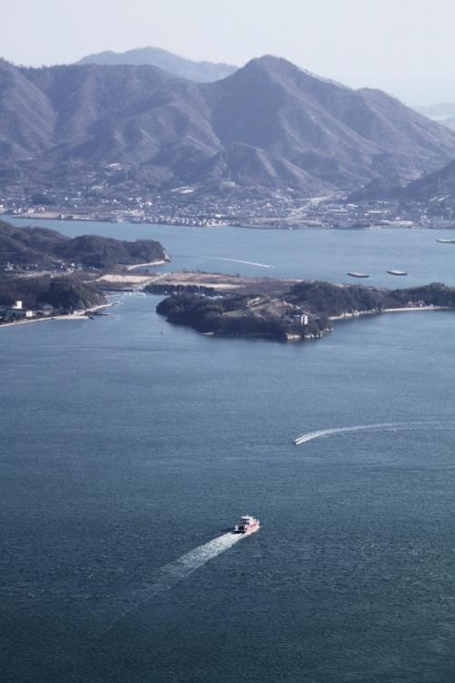 Solitary Journey [997] この展望台から眺められる多島美は瀬戸内海随一と評されています。<筆影山、竜王山山頂>広島県三原市