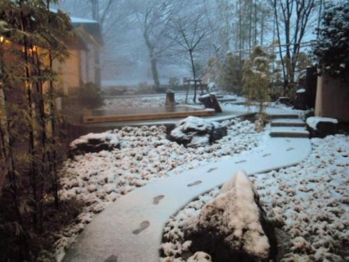あれから1年・・・頑張れ!福島!! 春はもうすぐ♪ 2012年3月おとぎの宿の雪景色