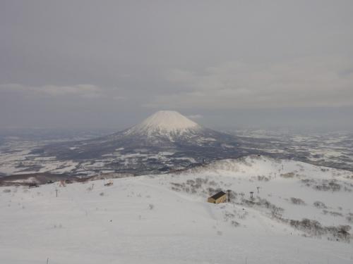 今年も行ってきました北海道スキー(^。^)ゲレンデは雪いっぱい第3弾北海道・ニセコ編