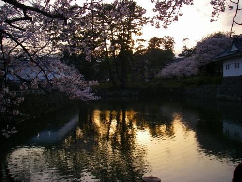 北原白秋が愛でた桜並木と古城