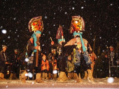 八戸に春を呼ぶ祭り えんぶり ~衣装の美しさに子供たちが主役のかわいらしい演出が心に響きます~