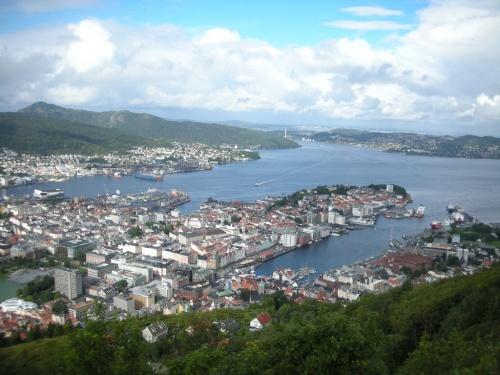 、13世紀にはノルウエーの首都 ...