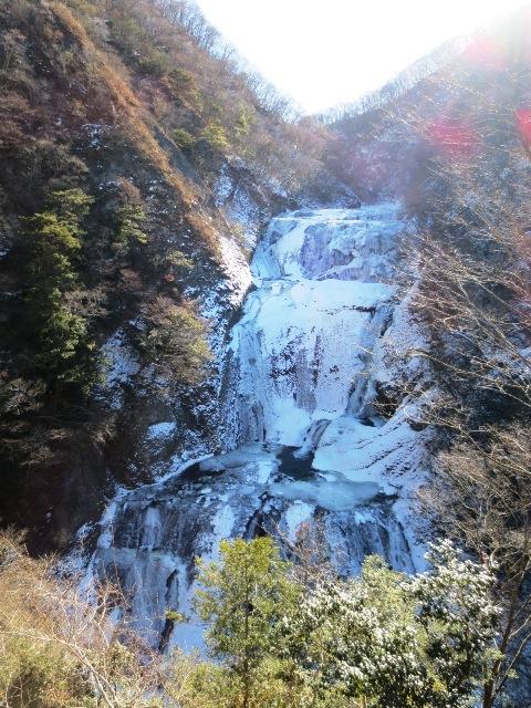 雪の那須高原・パンにソフトに苺? 日本三名瀑・「凍結の袋田の滝」も見てきました♪