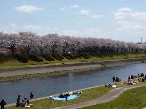 ウルトラマンを追いかけて 母娘 日帰り旅 (須賀川)
