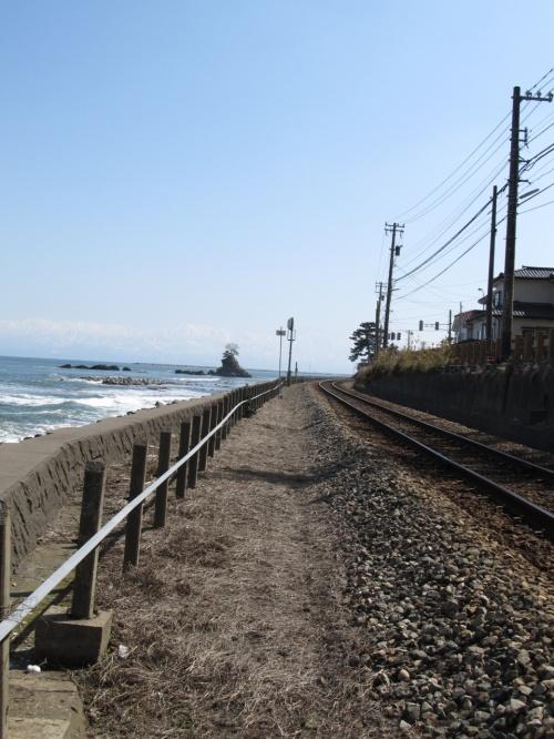 富山県氷見 『海越しに望む立山連峰』の絶景が見たい!…雨晴海岸から国宝 瑞龍寺へ。