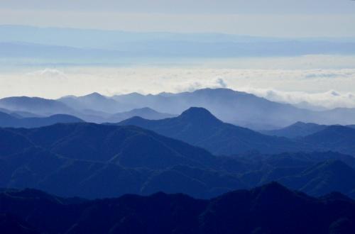 霧降高原の雲海、ツツジ、新緑そして隠れ三滝巡り