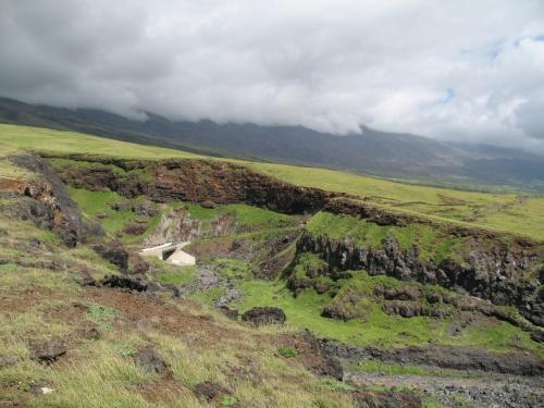 今回はクラからハレアカラの眺望とマウイ島東海岸の秘境といえるかもしれないマナワヌイ峡谷への道をお楽しみいただければ幸いです。<br /><br />なお、この旅行記は2011年のハレアカラ登頂分が混同していることをご承知ください。