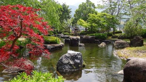 庭園紀行(09)・・・流し雛の館の日本庭園
