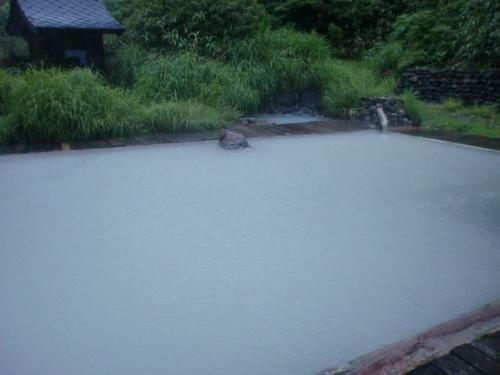 田沢湖と乳頭温泉は大雨だった