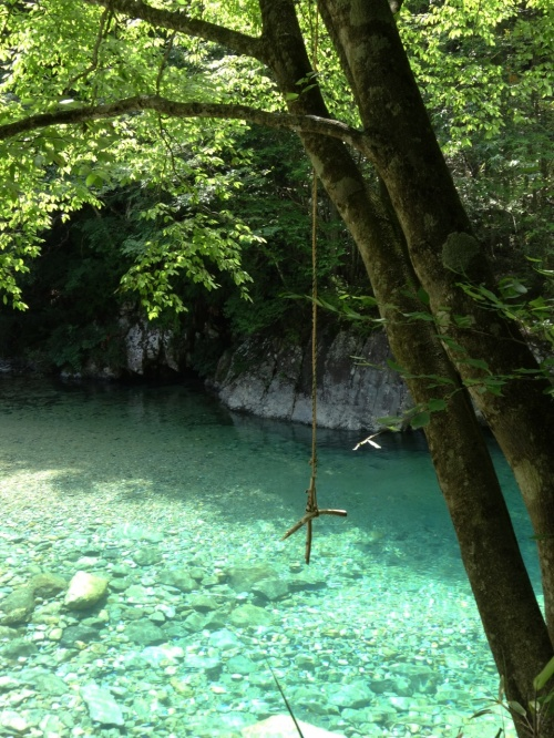 エメラルドブルーの清流と美顔水を求めて / 阿寺渓谷 / 長野