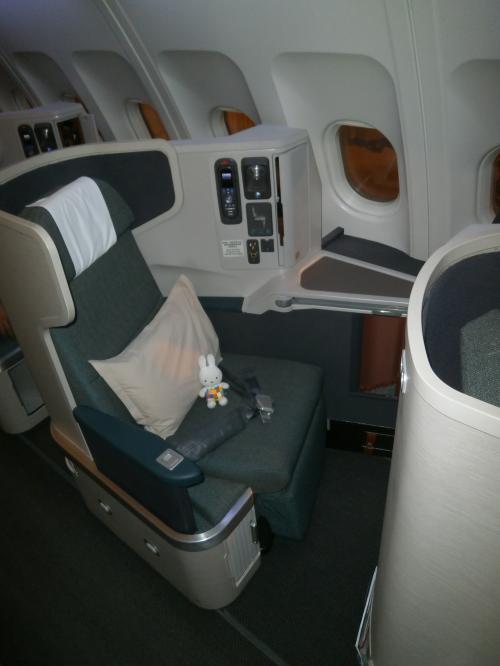 12月に家族みんなでキャセイパシフィック航空のビジネスクラスに乗ってバン... 12月に家族みん