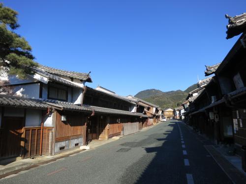 思いつきで訪ねる、和紙で栄えた卯建の上がる商家町・美濃町~美濃のむかし町をあるく~