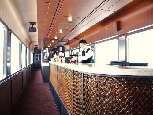 TOHOKU EMOTION 東北レストラン鉄道に乗ろう!の旅 ①往路:八戸⇒久慈 ランチコース付き