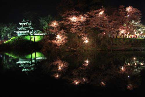 青春18切符一人旅 日本三大夜桜に酔いしれる 開府400年高田城百万人観桜会