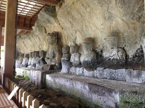 臼杵石仏と豊後の城をめぐる旅