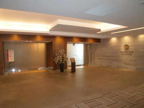 インドネシアへ行く前に成田山新勝寺にお参り&JALファーストクラスラウンジにて搭乗までのくつろぎ!